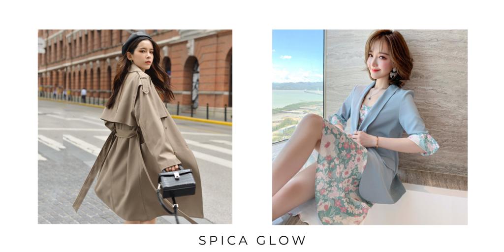 クラシカルなトレンチコートと、淡い色の花柄ワンピースと淡いブルーのジャケットをきた女性